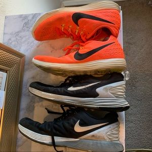 2 PAIRS OF WOMENS NIKE SHOES 9.5